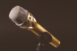 Superior professional radio microphone for speeches